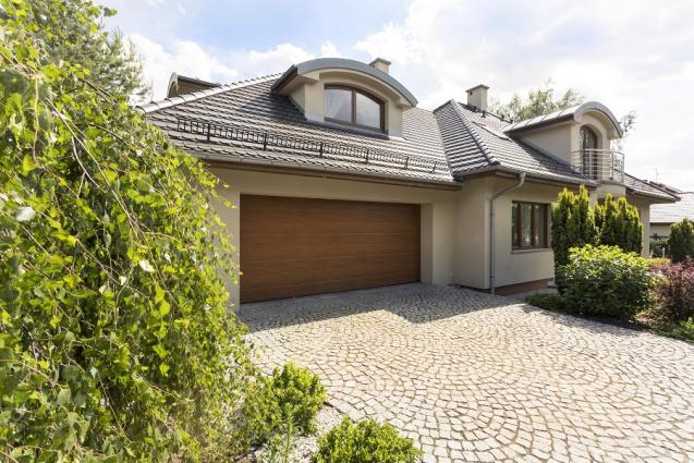 4 Ways To Stylishly Design Your Driveway