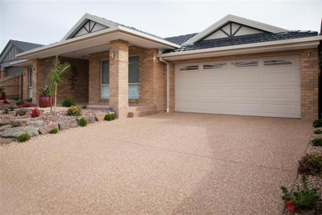Read Article: The benefits of high pressure cleaning for concrete driveway maintenance