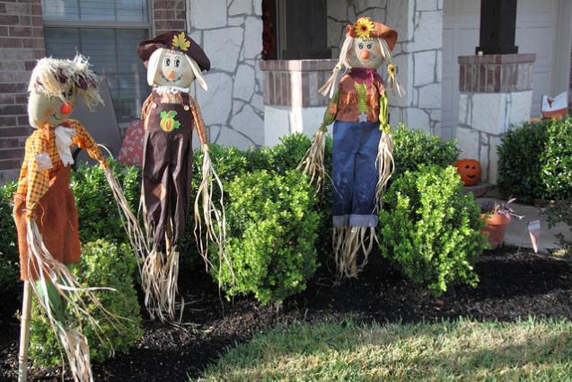 Halloween Garden: Keeping It Classy