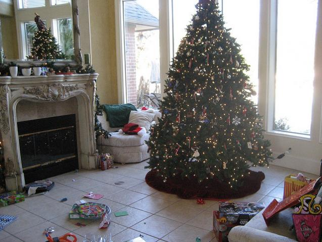 Post-Holiday Home Tips: Storing Your Decorations
