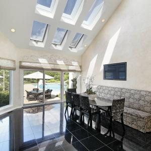 View Photo: Roof Windows