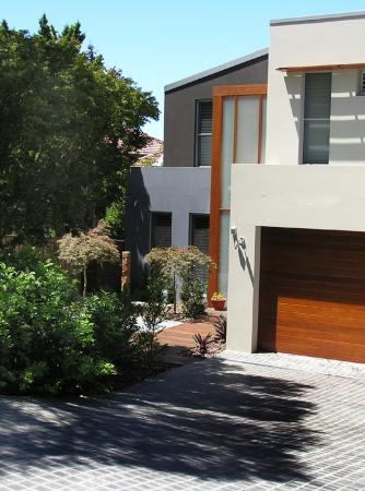 View Photo: A new contemporary home at Northbridge