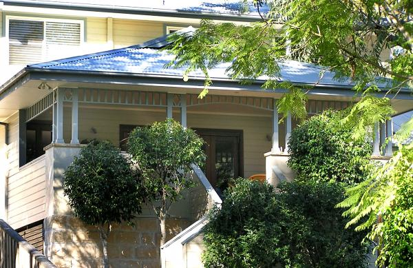 View Photo: Exterior colour & finishes Mona Vale beach house