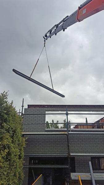 View Photo: Craning of beam