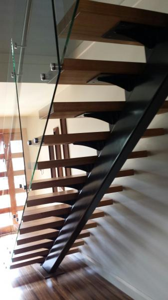 View Photo: Mono Stringer Stairs