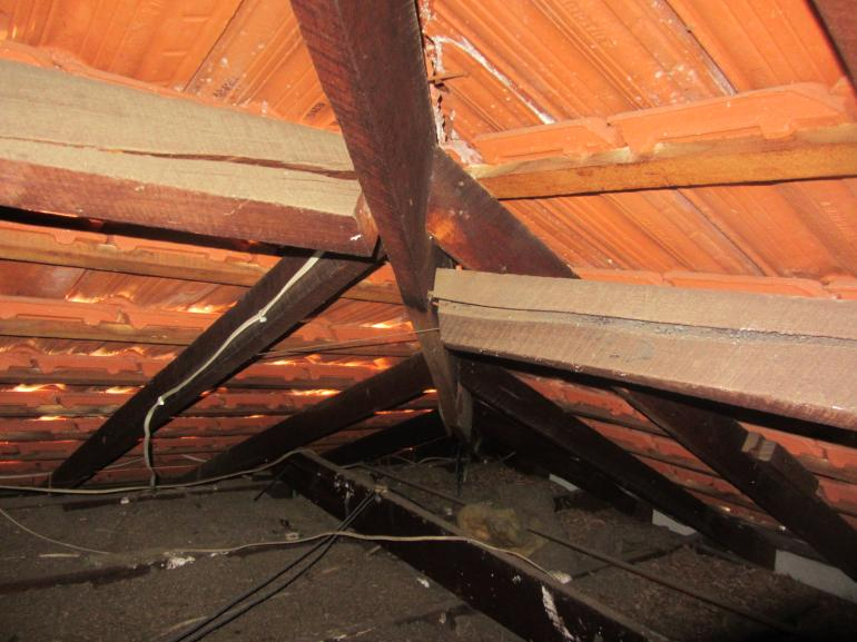 View Photo: Damaged Underpurlins
