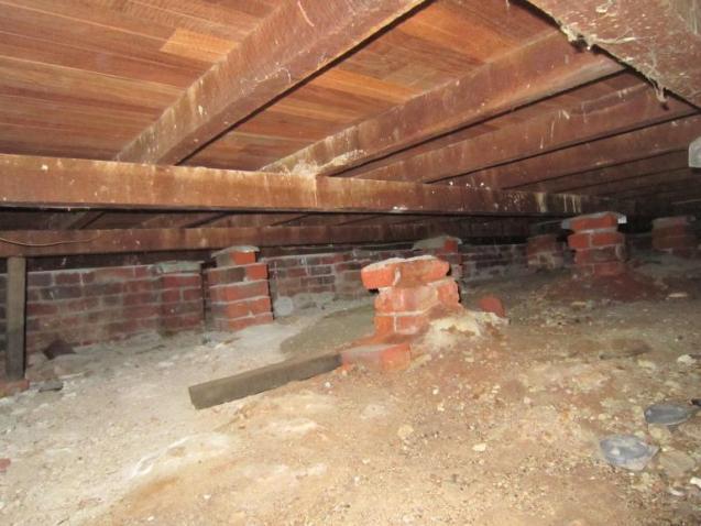 View Photo: Sub-Floor Stumps