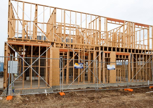 Read Article: What You Need to Know about Temporary Fencing When Building a New House