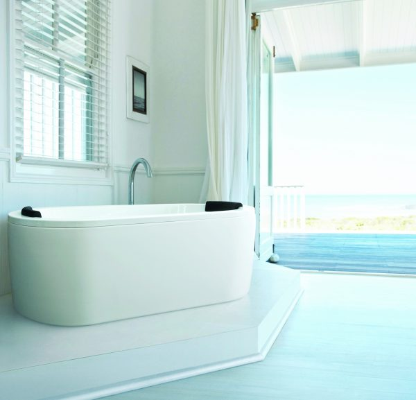 View Photo: Decina Mintori Freestanding Bath