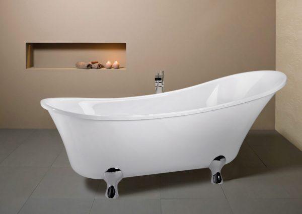 View Photo: Decina Sarto Traditional Clawfoot Freestanding Bath