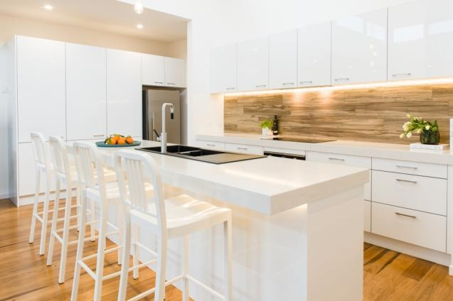 Choosing a Kitchen Retailer vs Smaller cabinetmaker